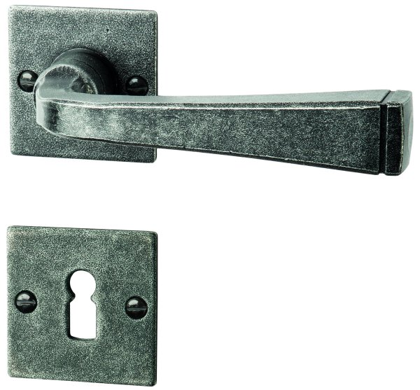 Rosettengarnitur in Eisen schwarz passiviert (BB). Rosette: 52x52 mm, Griff: 120 mm  Bild1