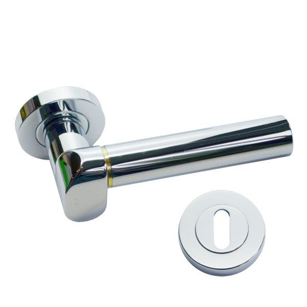 Rosettengarnitur für Zimmertüren in Messing verchromt mit Schutzlack BB2, modell Nika. Bild1