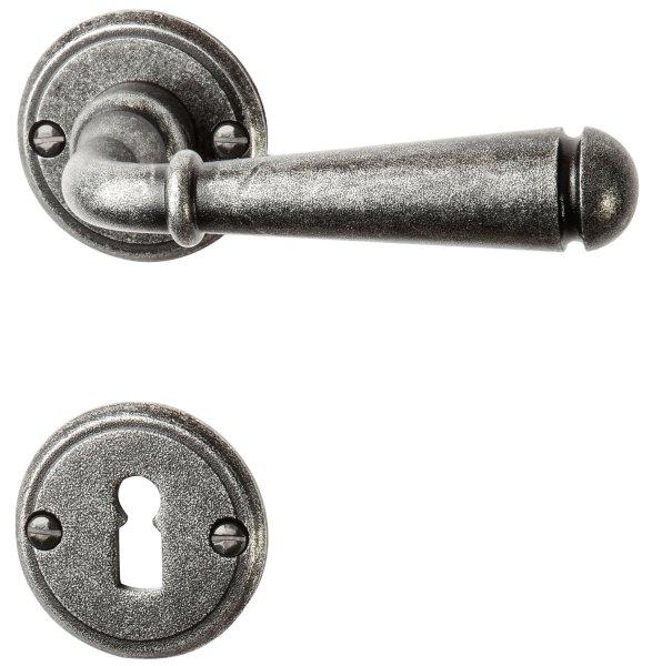 Rosettengarnitur in Eisen schwarz passiviert (BB). Rosette: 53 mm, Griff: 135 mm  Bild1